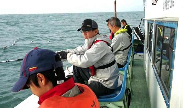 釣り船の様子