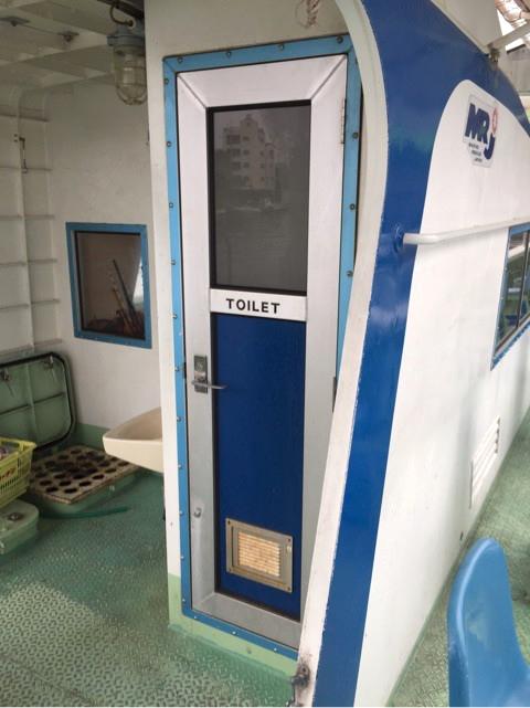 船内のトイレ