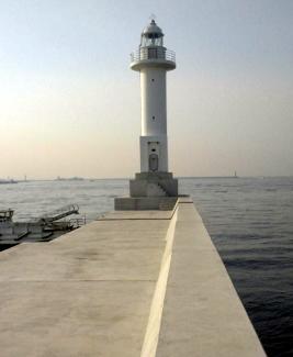 夢洲1番灯台